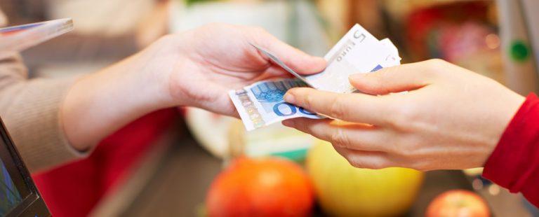 ¿Por qué hay países que se niegan a dejar de usar el dinero en efectivo?