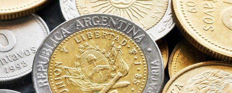 Toma impulso una nueva estafa en la que hacen pasar pesos argentinos por monedas de 1 y 2 euros