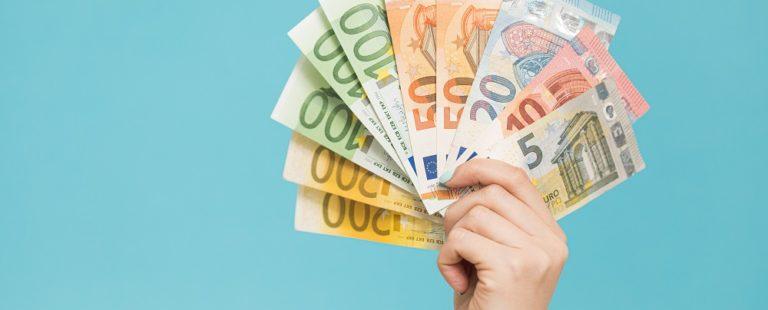 Los billetes de euro no suponen un riesgo de contagio